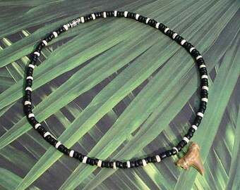 "18"" Shell Black Coco Beads Necklace Beach Surf Choker Coconut Chips Shark Tooth"