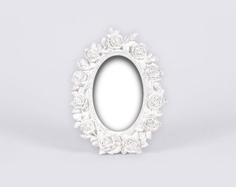 White Oval Picture Frame, Shabby Chic Vintage Frame, Antique Roses, Victorian Frame, Edwardian Frame, Country Wedding, Country House Decor