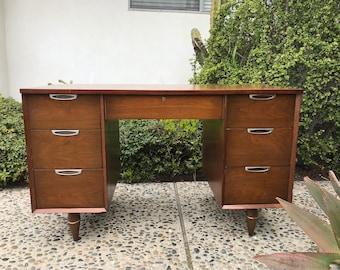 MILIEU du siècle moderne 7 tiroir bureau ou vanité (Los Angeles)