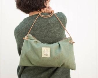 Minimal Handbag, Minimal crossbody bag, Minimal Purse, Small Messenger Bag, Wool Bag, Travel Purse