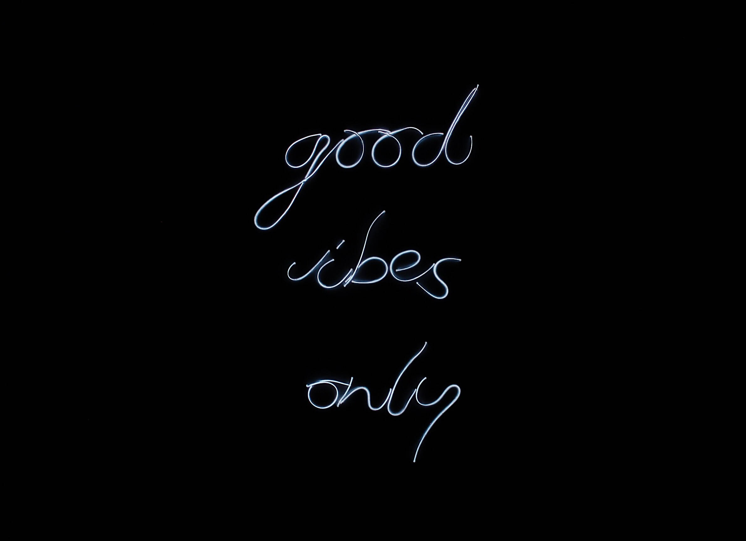 Neon Style LED Sign \'Good Vibes Only\' Home Decor