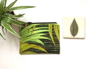 Zipper Pouch Purse  - Vintage 70s Fabric Jungle Style Palm Leaves