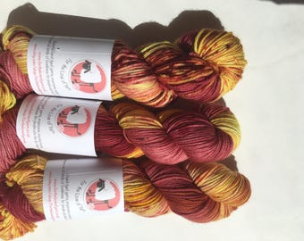 HARRY POTTER THEMED yarn - available in both sock weight & dk merino yarn, Gryffindor themed hand dyed colours.