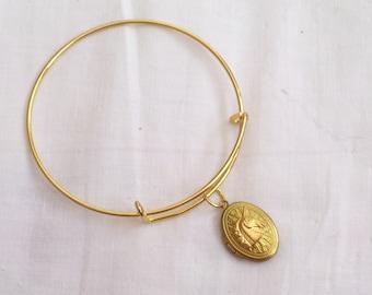 Unicorn Locket Bracelet, Gold Brass Unicorn Locket Bracelet, Oval Locket Bangle Bracelet, Art Deco Locket, Small Locket, Unicorn Bracelet
