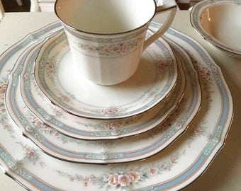 Stunning Noritake Rothchild Dinner Service for 12 Total of 78 pieces Noritake Rothchild fine china pattern with serving pieces