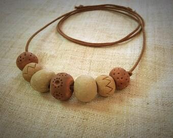 Necklace stoneware bead