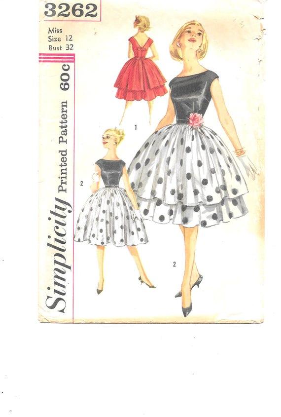 1950er Jahre voller Rock Kleid und Überrock Schnittmuster