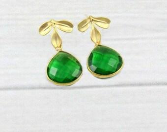 Leaf Earrings, Emerald Earrings, Gold Dainty Earrings, Leaves Earrings, Drop Earrings, Green Earrings, Gold Earrings, May Birthstone,Elegant