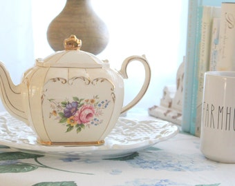 RARE TEAPOT, Vintage Sadler Full Size Cube, Teapot, Made in England, Tea Party - c. 1930s