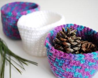 Crochet Nesting Bowls - Set of 3 - White and Purple - Storage Bowl - Desk Organizer - Ready to Ship - Desk Storage - Office Decor - Basket