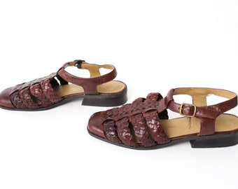 size 10 FISHERMAN brown leather 90s T-STRAP buckle strappy sandal