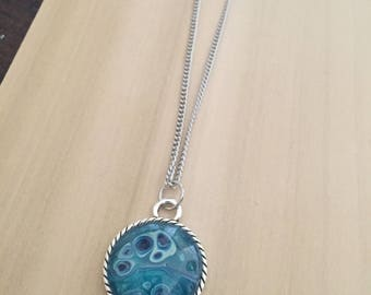 "Acrylic Fluid Art Pendant - 25mm Round Pendant with 24"" Chain - Teal and Blue"