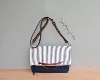 Summer Tote Bag in Vintage Style Cotton Ticking, Navy Blue Cotton Ticking Foldover Bag in 2 Sizes, Convertible Tote , Womens Summer Purse