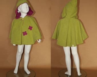 Lutine - Reversible fleece cape - 4 years - Raspberry and apple green