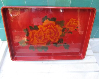Red lacquered tray with peony flowers