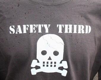 SS CRACKED SKULLY Safety Third tshirt  Mens Short Sleeve safety tshirt s - xxl head injury Dirty Jobs safety 3rd etsybrc asphalt gray, black