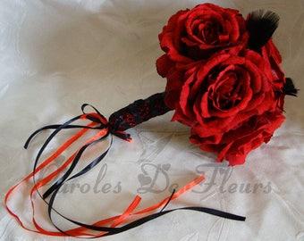 Bukett von Rosen, roten und schwarzen Federn und Spitze aus calais