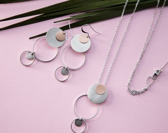 Insanely light long statement chain Circle in Circle, Rosegold refined Brass