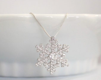 Snowflake Necklace, Sterling Silver Snowflake Necklace, Gift for Daughter, Winter Wedding Necklace, Bridesmaid Necklace