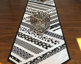 Table runner. Black and white table runner. Quilted table  runner. Modern table runner. Long table runner. Black table runner.
