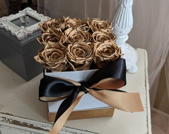 Preserved bouquet of Roses that last a year, Enchanted Rose Arrangement, Box of roses, Forever Roses, Preserved Gold Roses, Rose Gold Gift