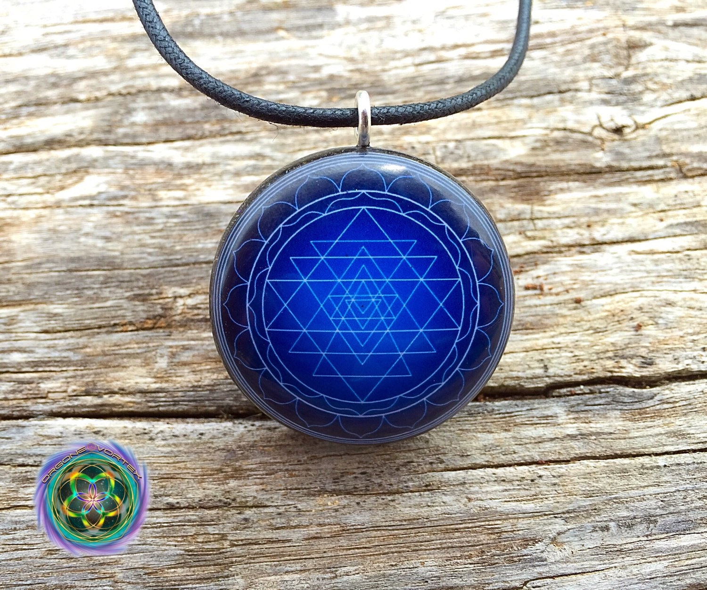 Blue sri yantra mandala orgone tesla pendant emf blocker ampliar aloadofball Image collections
