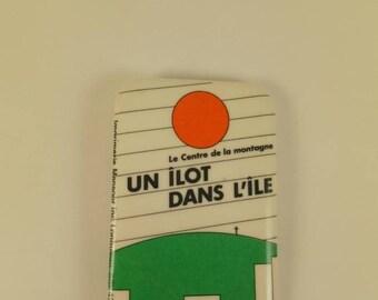Vintage Mont-Royal pinback button