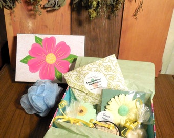 Bath Spa Box Gift Set, Lemon, Yellow, soap, sugar scrub, bath salts, lemon grass,