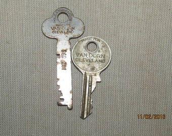 Antique Vintage Van Dorn Cleveland Ohio Keys