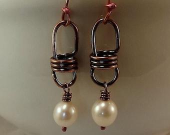 Süßwasser Perlen und Kupfer Lightbulb Link Ohrringe