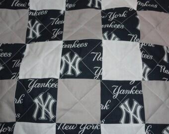 New York Yankees  full size quilt