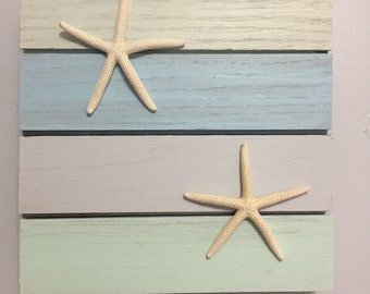 Distressed Wood Plaque with Decorative Starfish