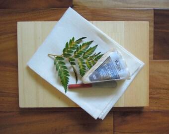 Tablett aus Holz-Geschenk-Set, Gastgeberin Geschenk, Housewarminggeschenk, Käseplatte-Geschenk-Set, Geschirrtuch, Jahrgang Messer