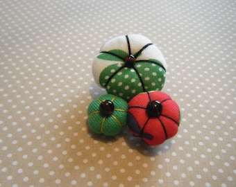 Japanese Red and green flower brooch