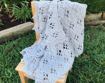 Lacy scalloped wave baby blanket