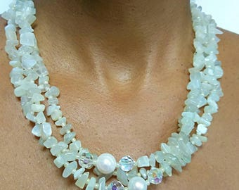 Moonstone stones, Freshwater pearls, natural stones, three strands necklace, layered necklace, chunky necklace, statement necklace, handmade