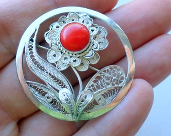 Palestian Coral and Sterling Silver Filigree Convertible Brooch/pin - Pendant - 1960s.