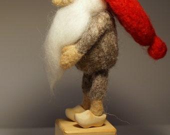 Needle felted Gnome, Felt Gnome, Tomten, Scandinavian Gnome, Nordic gnome