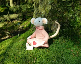 Rosie Mouse complete felt sewing kit