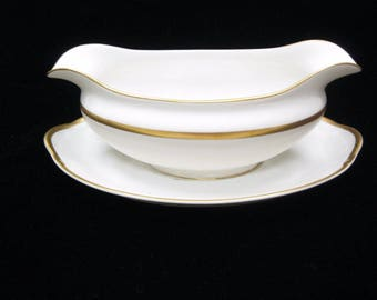 Noritake China The Chaumont Gravy Boat With Attached Underplate Serving Dish