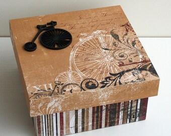"Secret ""Le Grand Bi"" wooden box"