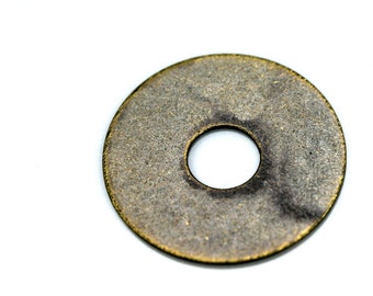 30 pcs antique brass tone brass 20 mm washer (6 mm) middle hole charms, findings 61ABM-33