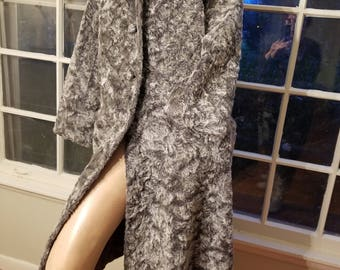 FREE  SHIPPING   1950  Faux  Persian  Lamb  Fur  Coat