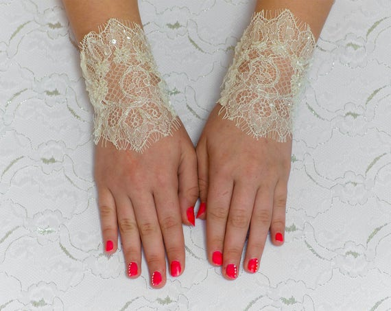 Bridal Mittens, Ivory Fingerless Wedding Gloves, Bridal Wedding Gloves