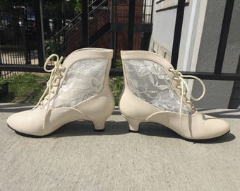 Off White Lacey Lace Up Booties Ankle Boots 90s size 5 ladies