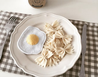 """Petite felt """"Special"""" collectible (pasta, fried egg)"""