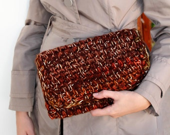 Valentines gift for woman, Brown crochet bag, Winter crochet purse, Trendy accessory, Envelope clutch,  Hand knit purse, Birthday gift, OOAK