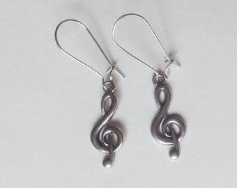 1 pair of music treble clef earrings