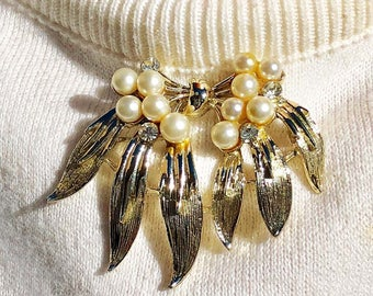 Floral Motif Brooch Textured Leaves and Pearls, Designer Signed SNE, Gold Tone Vintage