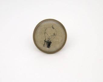 Steampunk Vintage Lightbulb Tie Tack in Antique Brass  16mm